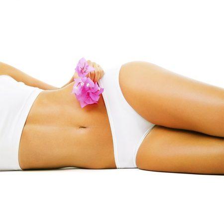 d5883803ee Le ventre est une partie sensible du corps. Son épilation doit être  mûrement réfléchie et ne doit intervenir qu'en cas de nécessité avérée.